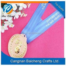 zinc alloy medal with hanging ribbon for athletic meeting and games with cheap price of creative logo and sportman design