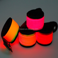 2015 wholesale bangle and bracelet safety in the dark