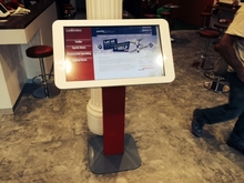 "32"" capacitive interactive digtal display advertising kiosk, i3/i5/i7 intel CPU, for way finding machine"