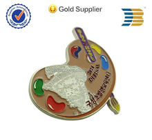 promotion gift 3d metal gold plating paint with epoxy soccer bronze heart shaped lapel pins