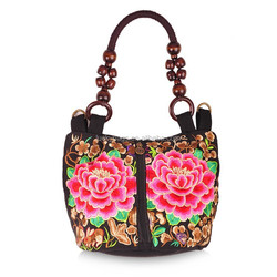 Hot selling trendy woman bag embroidered shoulder bag