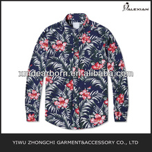 patrón de la flor de la camisa casual