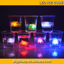 New cooling water activated led lighting ice cubes with customized logo for party Bar ornaments IC-001