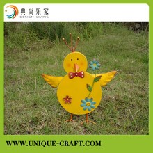 Metal little yellow chicken for garden Decorations