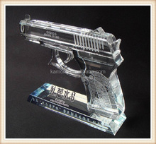 Beautiful crystal gun model with base for gifts and decoration favors