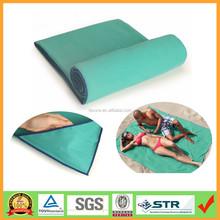 Muti- Fonksiyonu büyük boy yeşil renk mikrofiber plaj battaniye havlu ağırlıklı köşe cepler