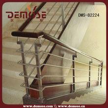 escalera de pasamanos de madera de nuevos diseños