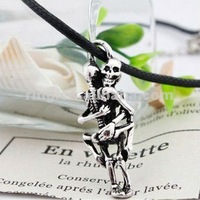 "2012 Hot selling hot TV ""Sex and The City"" sex lovers skeleton hug pendant necklace"