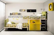 Dormitorio infantil, en movimiento en el pecho de la cama, mdf escritorio omputer