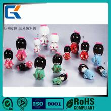 Três pcs bonito menina japonesa boneca de cerâmica para sushi loja decoração