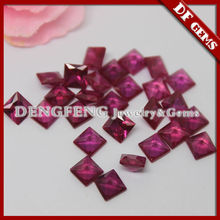 квадратный отрезок крови рубин драгоценный камень