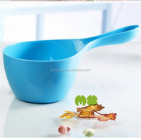 China factory provide kinds of plastic water bailer,colorful plastic kitchen bailer with handle,PP water scoop