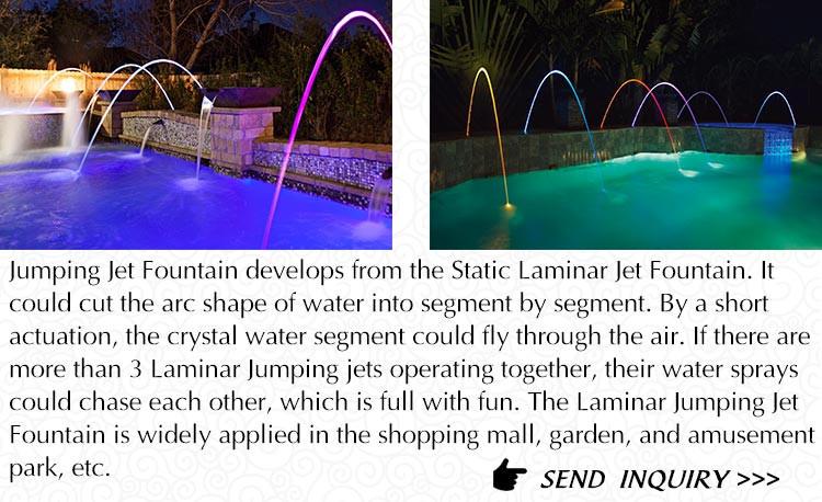 Красивый пейзаж бассейн ламинарного струй воды
