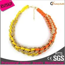 Модный дизайн плетеный ожерелье шнуры с золотой веревкой и красочные строка