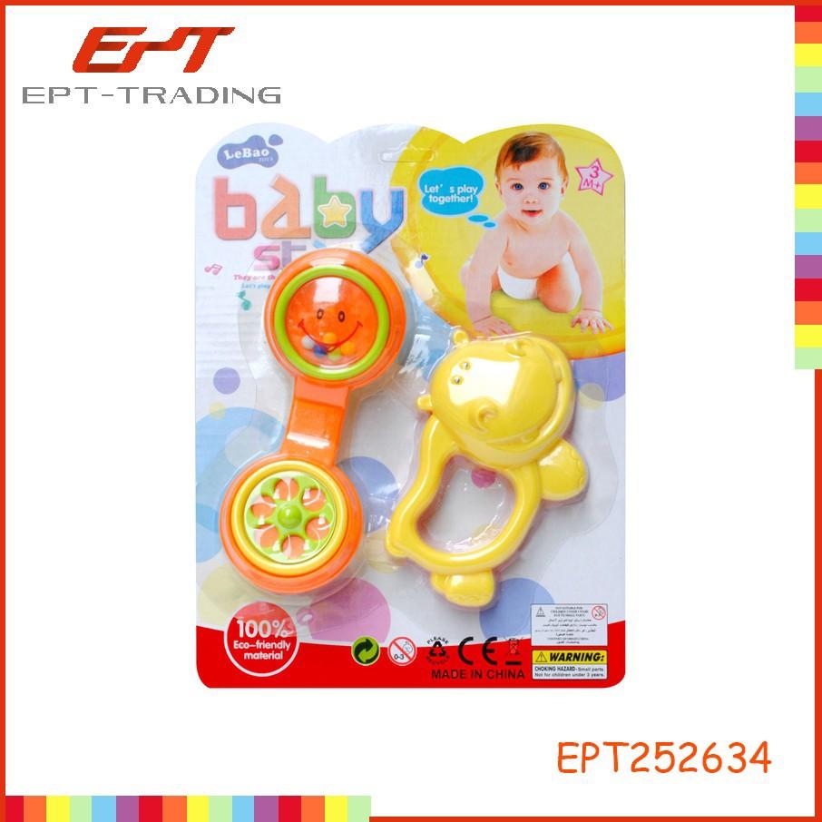 los bebés de juguete sonajero de anillo de la campana de la muñeca