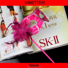MK-P23 fashion red feather party mask with stick for night women