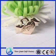 The new drip peach heart pendant Zinc alloy the wings of the angel champagne peach heart pendant peach heart pendant