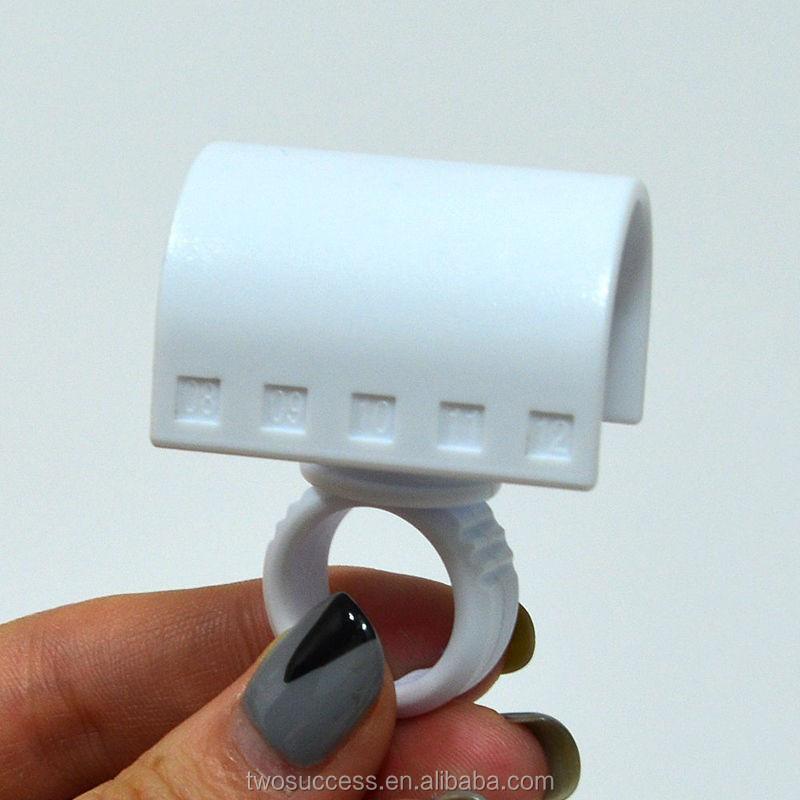 Plastic Eyelash ring separator.jpg