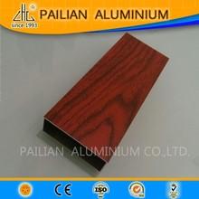 Grano di legno guangzhou 6063 t5 tenda in alluminio tubi, estrusione in lega di fabbrica di alluminio tubo quadrato per Rob bandiera cina