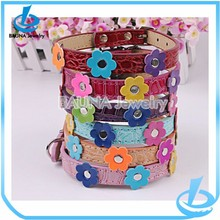 Flower leather pet collars and leashes