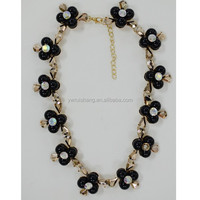 Flower shaped short chain gold plated beaded women necklace