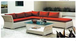 New Design Outdoor PE Rattan Sofa with Tea Table