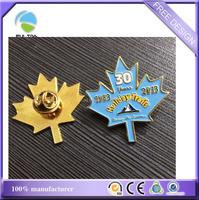 metal gold lapel pins maple leaf shaped soft enamel paint