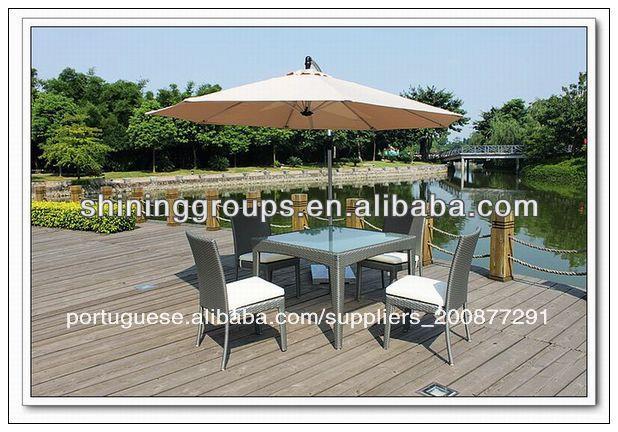 mesa jardim guarda sol:Mão tecida vime mesa de jantar para guarda-sol e cadeiras conjunto