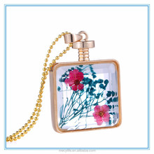 MECY LIFE hot sale good price zinc alloy square shape perfume bottle necklace with dried flower fills