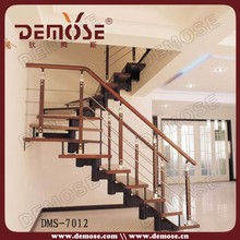 loft de diseño de escaleras de interior de madera