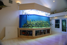 2015 Wholesale Floor Type Acrylic Low Price Bullet Fish Aquarium Tank