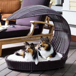 Convient indoor and outdoor dog bed