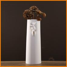 Modern minimalist minimalist white matte ceramic vases squirrels living room TV cabinet table ornaments villa software installed