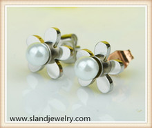 Holiday sales promotion flower design with a pearl earrings stainless steel pearl earrings stud