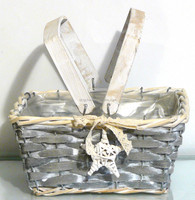 willow basket ,wicker basket with wooden handle and plastic lining ,flower basket