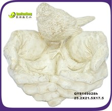 17.5cm creative pure white color resin bird on hands