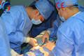 La operación del hospital vestido de teatro/bata de aislamiento/gownwith quirúrgicos de alta calidad& precio más bajo