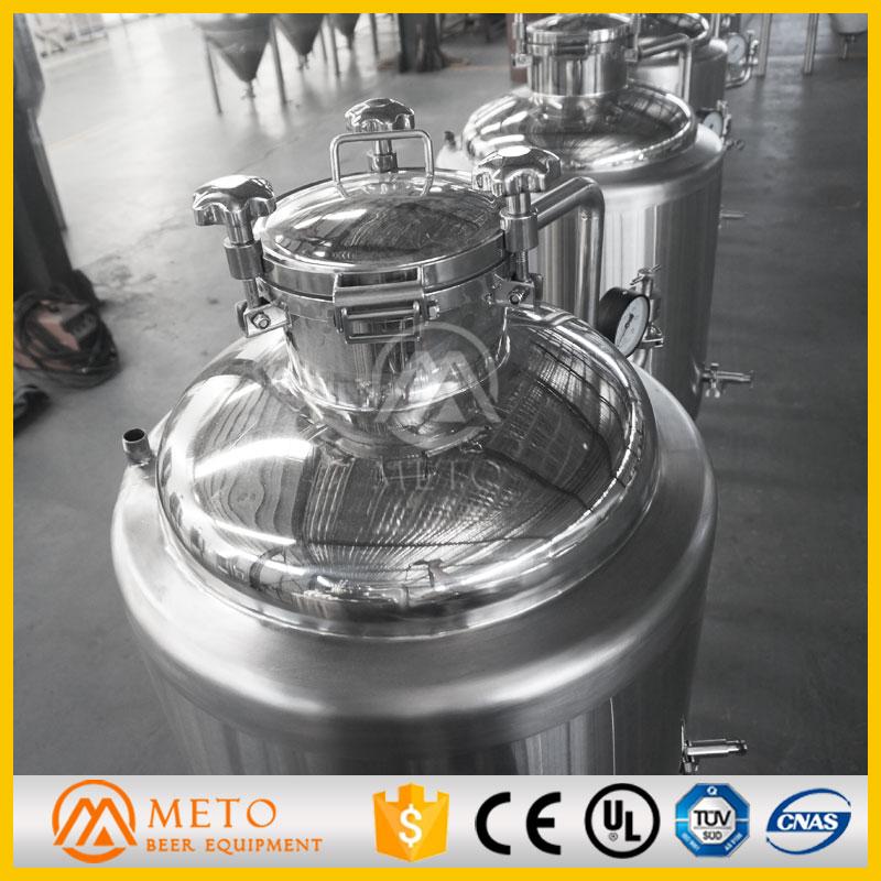 100l_1bbl-fermentation-tanks-top-manhole