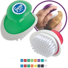 Palm vegetable and fruit brush. Features a simple and ergonomic design which is easy to use. Comes with your logo.