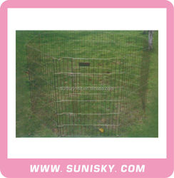 Portable wire mesh dog exercise fence