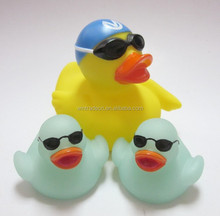 Hot selling weighted floating yellow bulk rubber ducks