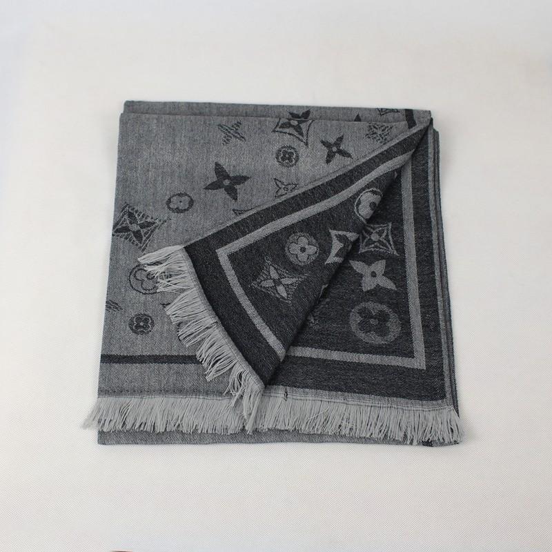 Женский шарф Fat dog echarpes L4235