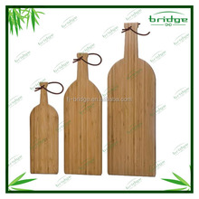 new arrival original design antibacterial quality bamboo cheese cutting board set with plastic boards
