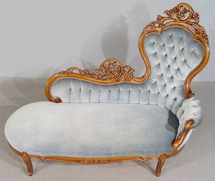Gorgeous chaise lounge sofa settee for Antique style chaise lounge