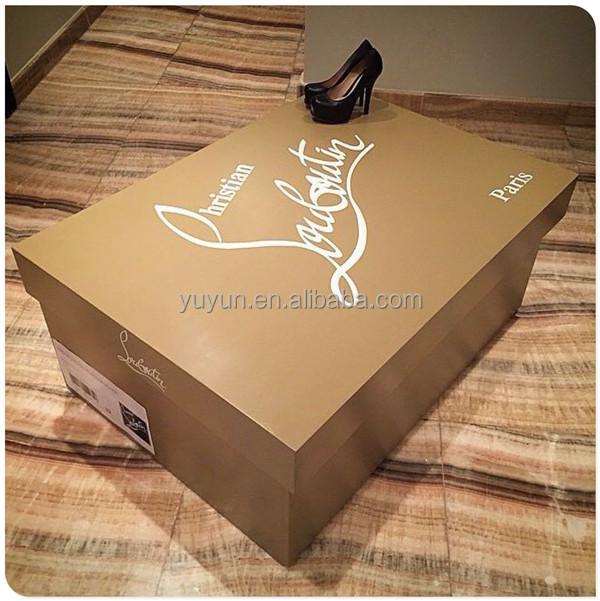 louboutin boite à chaussure