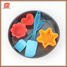 Low price Cartoon shape silicon baking tray set silicone bakeware manufacturers