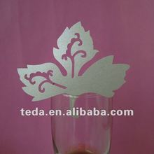 Maple leaf Design Wedding Favor Place Cards On Wine Glass