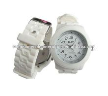 Best new silicone strap stainless steel white round without date japan movt quartz watch for men