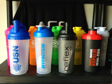 2014 latest design protein shaker bottles/Wholesale Fashion Sports fitness Shake Cups