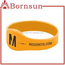 Oem diseño pulsera de silicona serie con logo